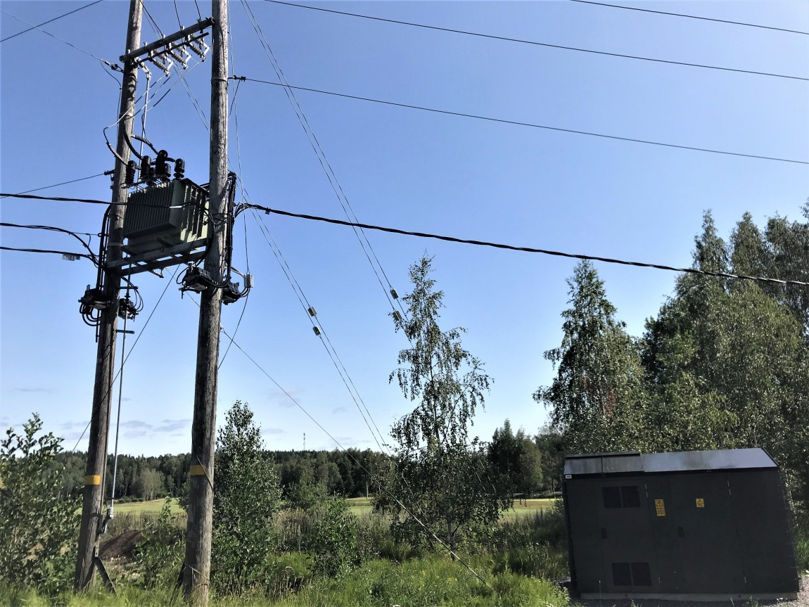 The pole-mounted transformer on the left, the park transformer on the right.